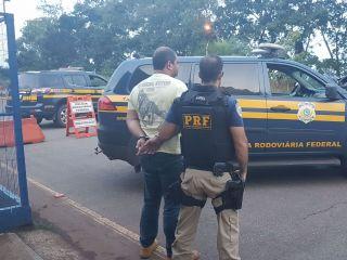 PRF apreende arma de fogo durante buscas em picape na BR-365 | Patos Agora - A notícia no seu tempo - http://www.patosagora.net
