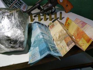 PM apreende grande quantidade de maconha, arma de fogo e dinheiro | Patos Agora - A notícia no seu tempo - http://www.patosagora.net