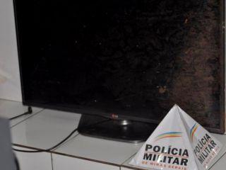 PM localiza um quilo de maconha, munições e vários materiais sem procedência em casa no Bairro Jardim Esperança | Patos Agora - A notícia no seu tempo - http://www.patosagora.net