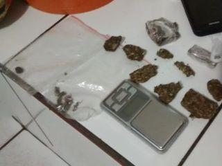 PM apreende comprimidos de ecstasy, haxixe e cocaína e prende rapaz suspeito de tráfico | Patos Agora - A notícia no seu tempo - http://www.patosagora.net