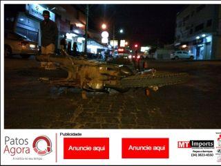 Motorista provoca acidente após avançar parada obrigatória no Bairro Caramuru | Patos Agora - A notícia no seu tempo - http://www.patosagora.net
