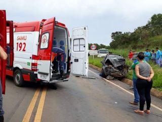 Motorista é socorrido gravemente ferido após colisão entre três veículos na MGC-354 | Patos Agora - A notícia no seu tempo - http://www.patosagora.net