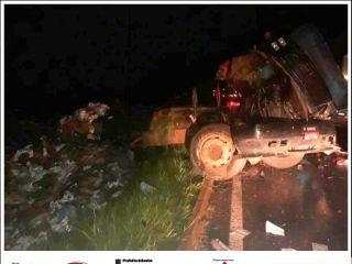 Motorista morre após tombar caminhão na BR-146 | Patos Agora - A notícia no seu tempo - http://www.patosagora.net