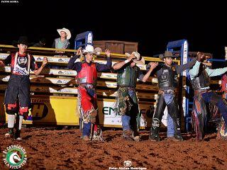 1º Round - Cavalgada Vila Vicentina - Show de Carvalho e Mariano | Patos Agora - A notícia no seu tempo - http://www.patosagora.net