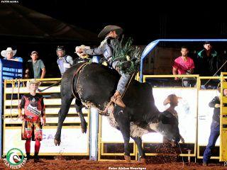 Final do Rodeio da Cavalgada Vila Vicentina - Parte 1 | Patos Agora - A notícia no seu tempo - http://www.patosagora.net