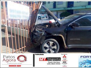 Falta de atenção no trânsito causa mais um acidente em Patos de Minas   Patos Agora - A notícia no seu tempo - http://www.patosagora.net