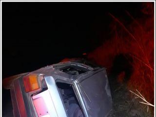 Motorista fica ferido após capotar veículo na rodovia MGC-354   Patos Agora - A notícia no seu tempo - http://patosagora.net