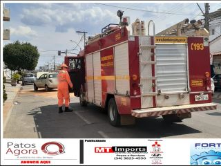 Acidente entre três veículos é registrado no Centro de Patos de Minas | Patos Agora - A notícia no seu tempo - http://www.patosagora.net