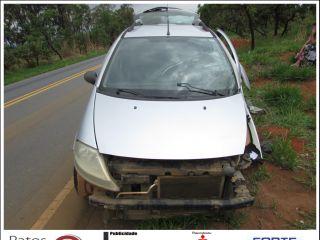 Motorista se distrai, invade contramão e atinge carreta na rodovia MGC-354 | Patos Agora - A notícia no seu tempo - http://www.patosagora.net