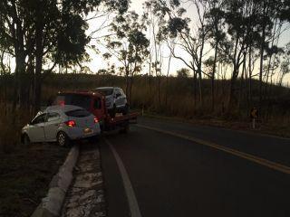 Condutora morre após atravessar pista e bater em caminhão prancha na MGC-354 | Patos Agora - A notícia no seu tempo - http://patosagora.net