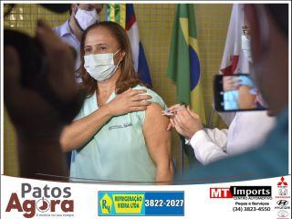 Técnicas de enfermagem mais antigas do município são as primeiras vacinadas | Patos Agora - A notícia no seu tempo - https://patosagora.net
