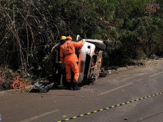 Motorista colide em poste no prolongamento da Avenida Fátima Porto   Patos Agora - A notícia no seu tempo - https://patosagora.net