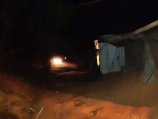 Motorista fica ferido após carreta carregada com sorgo tombar na BR 352 | Patos Agora - A notícia no seu tempo - https://patosagora.net
