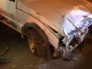 Veículo capota após condutor perder controle direcional e colidir em caminhonete na Av. Marabá | Patos Agora - A notícia no seu tempo - https://patosagora.net