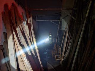 Bombeiros combatem incêndio em serraria na Rua Duque de Caxias | Patos Agora - A notícia no seu tempo - https://patosagora.net