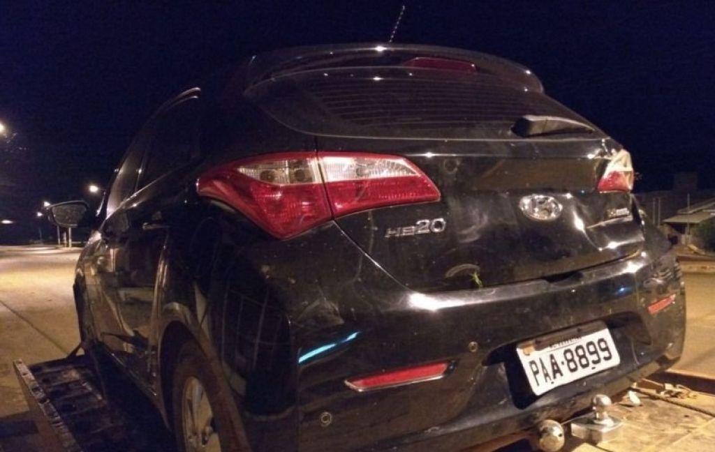 PM localiza carro clonado abandonado em meio a plantação de mandioca no município de Lagoa Formosa