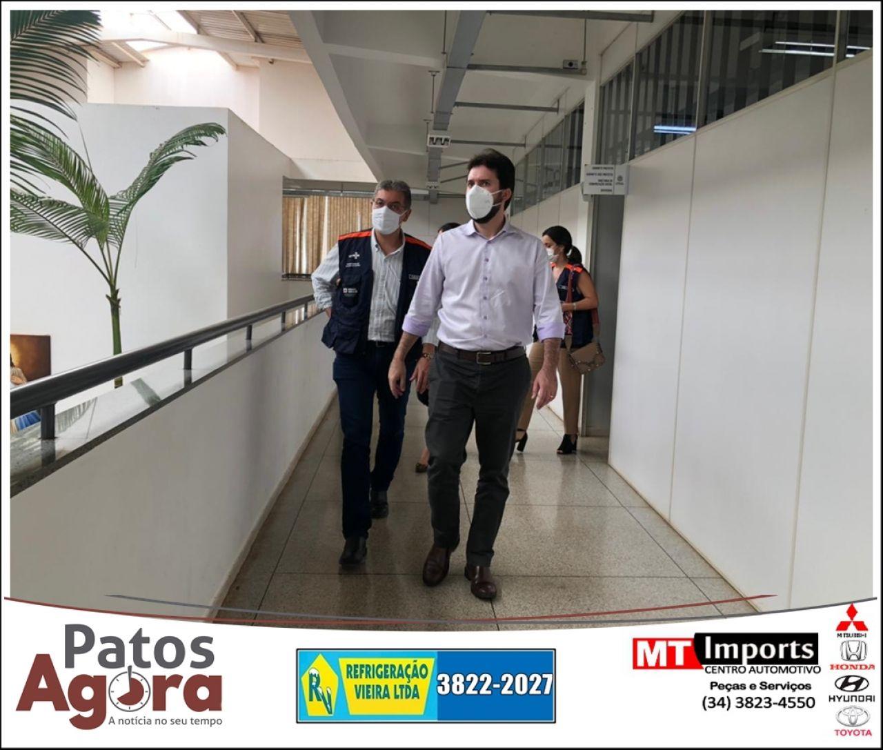 Secretário de estado de Saúde visita Patos de Minas com a força tarefa Covid-19