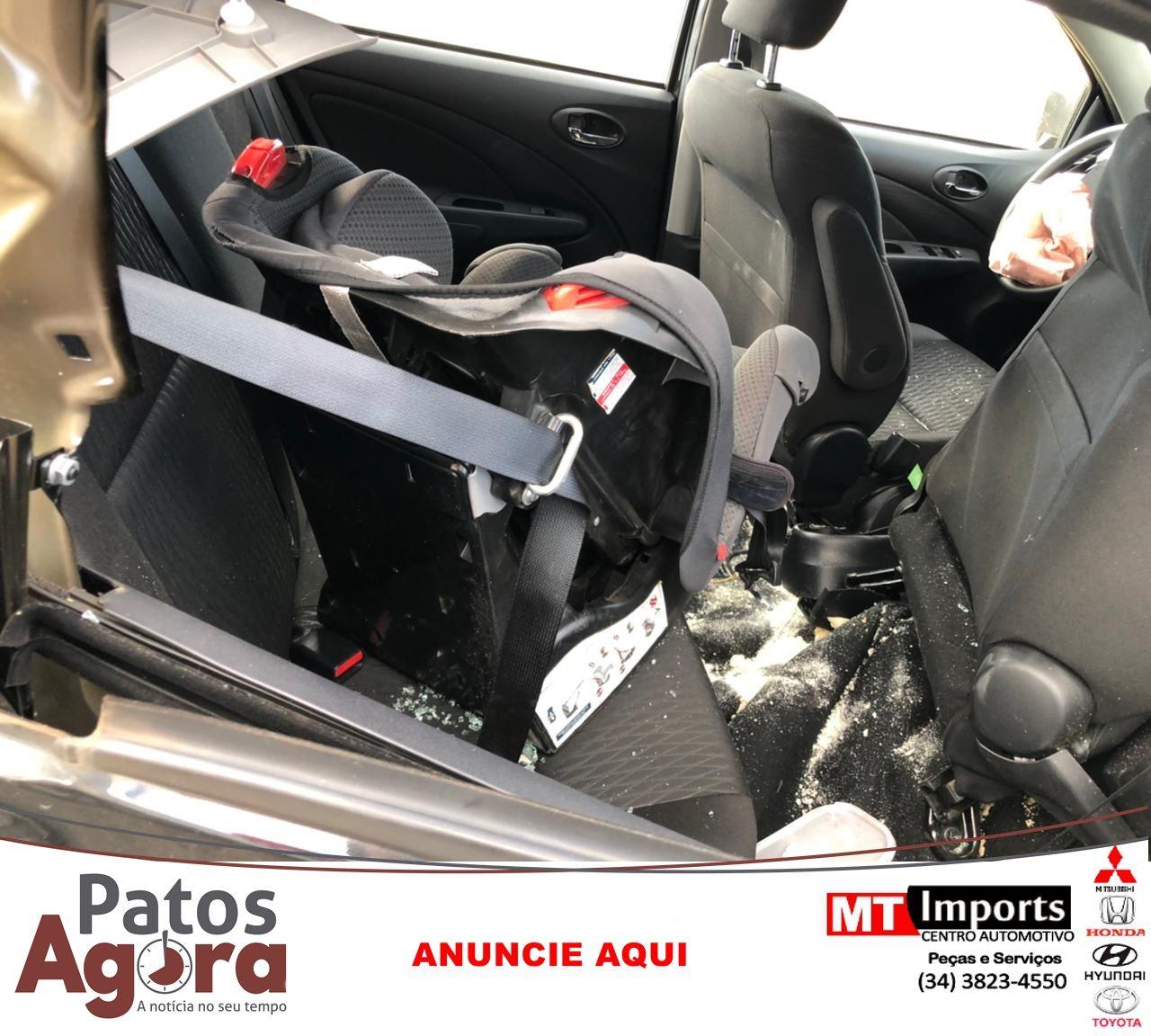 Condutor colide na traseira de Bitrem na BR-365 em Patos de Minas
