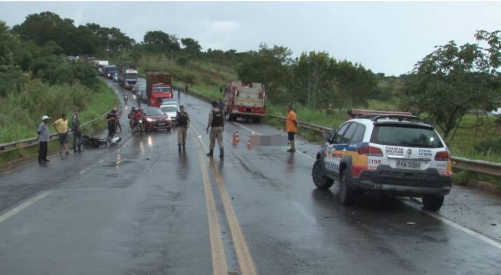 Casal morre e três pessoas ficam feridas em acidente na BR-354