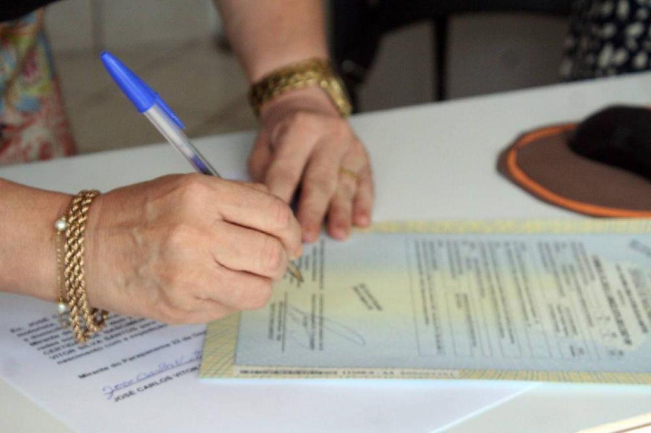 Minas Gerais: Cartórios registram 1º semestre da história com mais óbitos e menos nascimentos