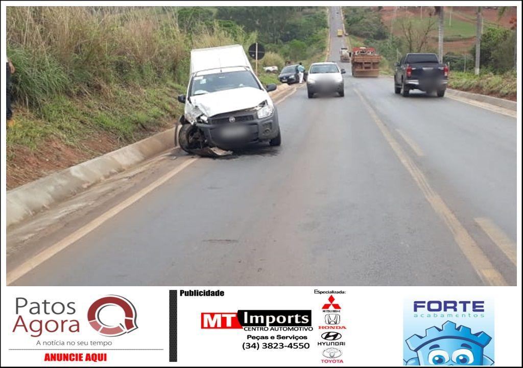 Condutor atravessa pista da MGC-354 e provoca batida