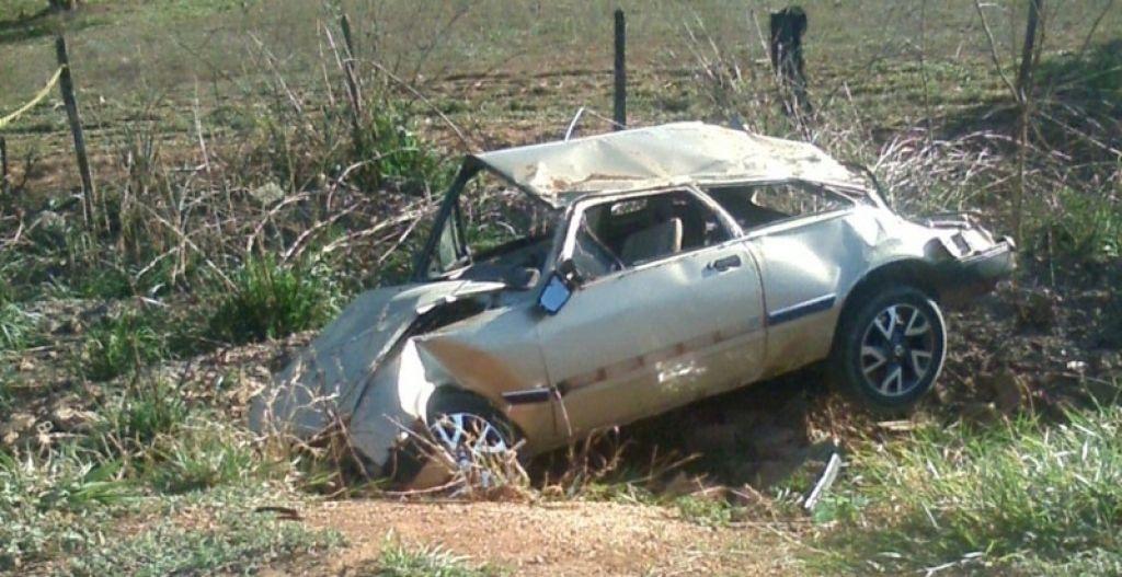 Capotamento mata rapaz e deixa quatro feridos na LMG 740