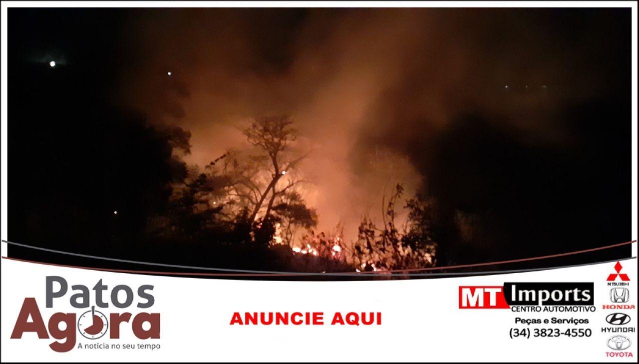Incêndio atinge pastagem e lavouras de milho e sorgo e Patos de Minas