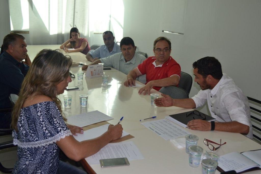 Reunião com o Secretário de Obras Urbanas é realizada na Câmara Municipal