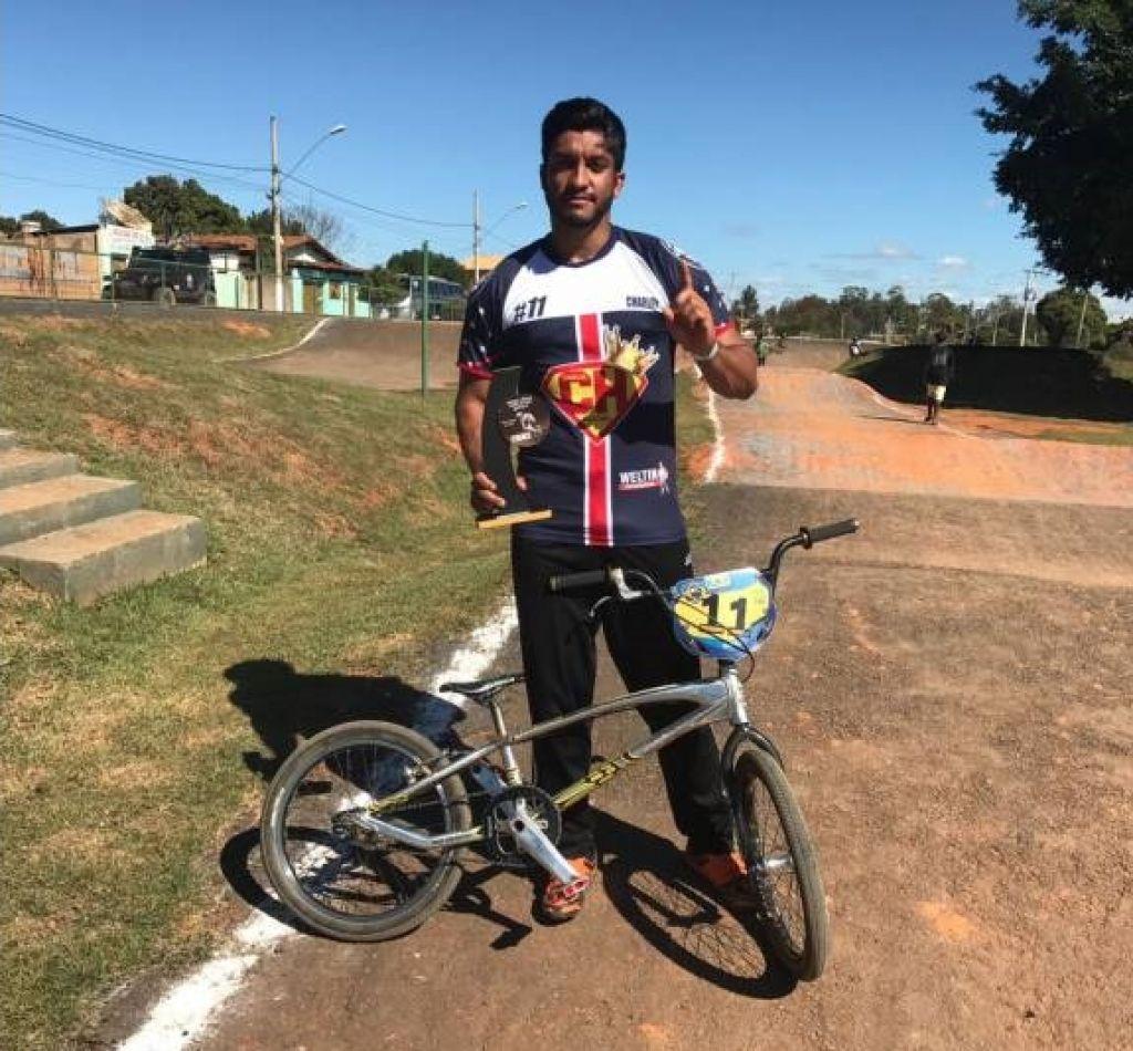 Ciclista patense conquista vitória e se prepara para Campeonato Brasileiro de BMX