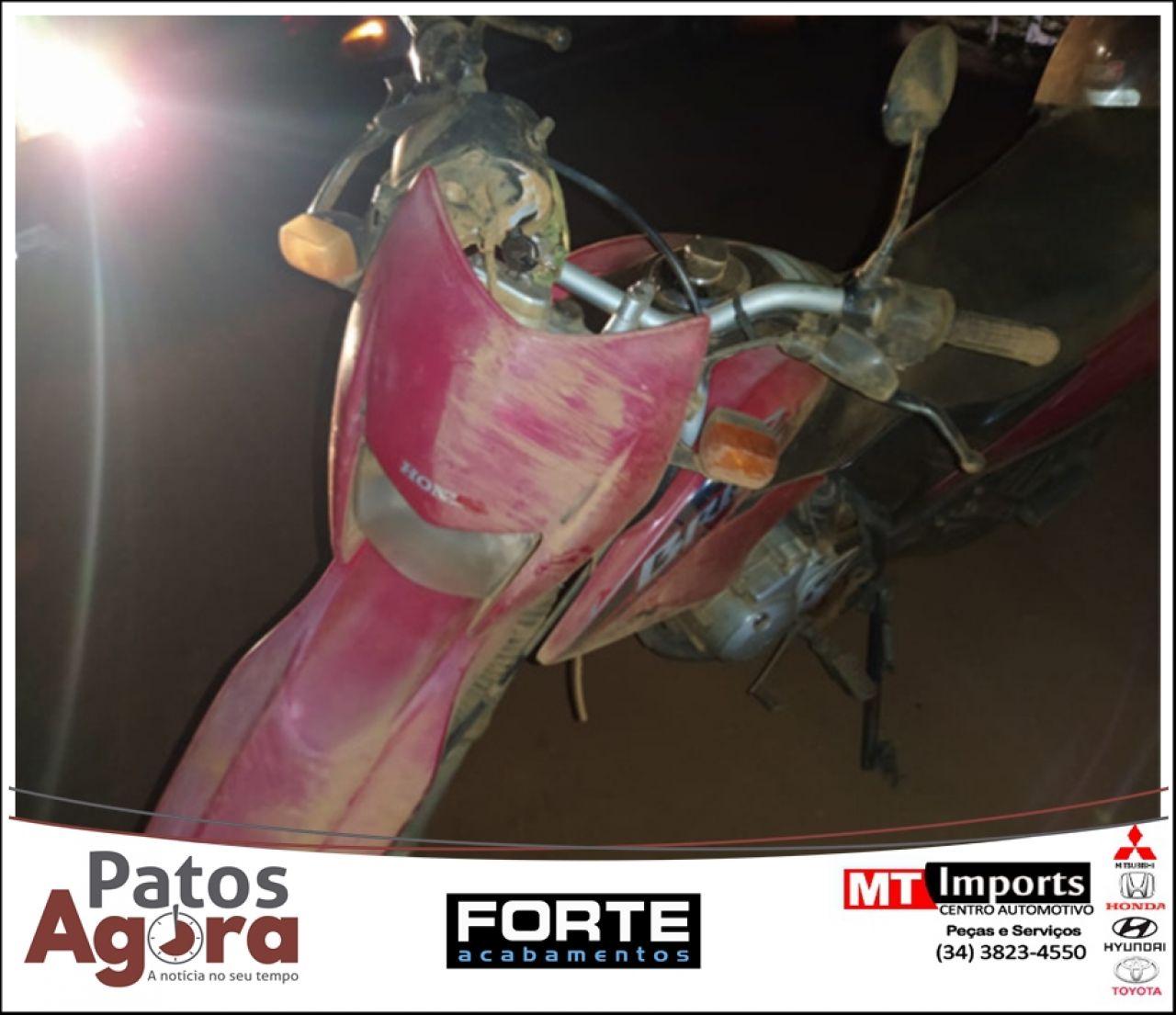 Motociclista fica com pescoço preso em cerca de arame após acidente na zona rural de Lagoa Formosa