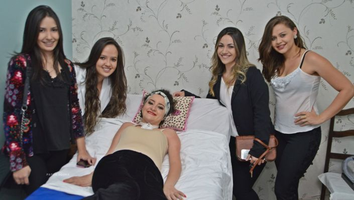 Alunas de fisioterapia fazem vídeo emocionante da história de Bárbara Oliveira