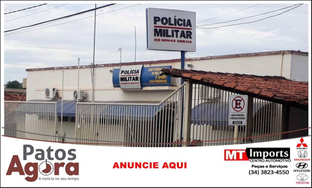 Homem vai ao quartel registrar ocorrência e acaba preso por não pagar pensão em João Pinheiro