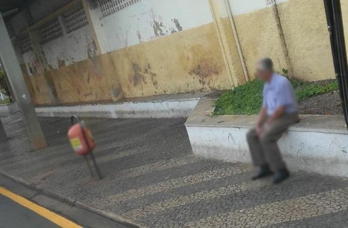 COLUNA: Ficar em casa faz bem, mas por que continuam nas ruas?