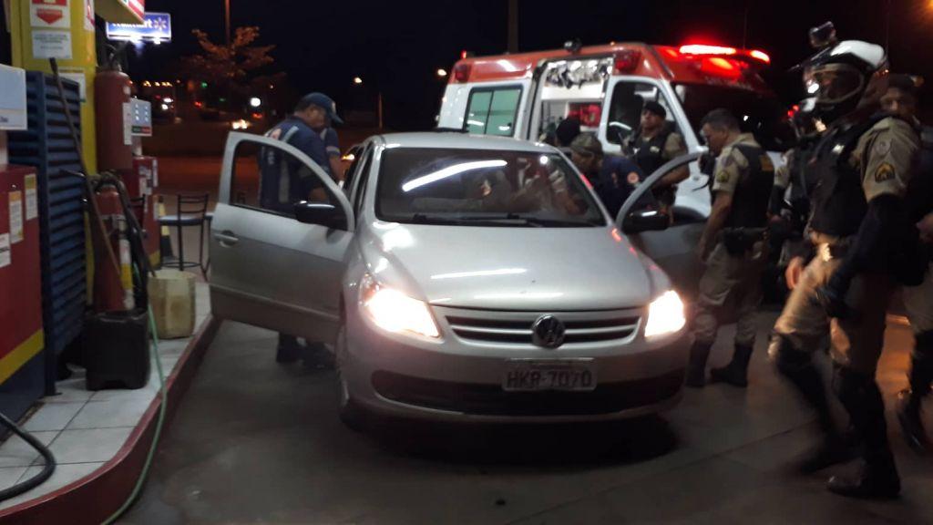 VÍDEO EXCLUSIVO: Agente penitenciário mata bandidos após ter carro tomado de assalto