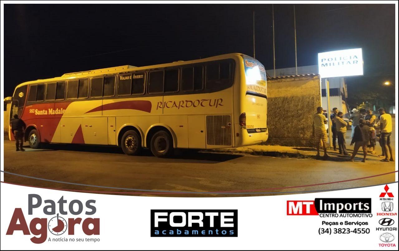 PM Rodoviária apreende mais 2 ônibus fazendo transporte irregular de passageiros