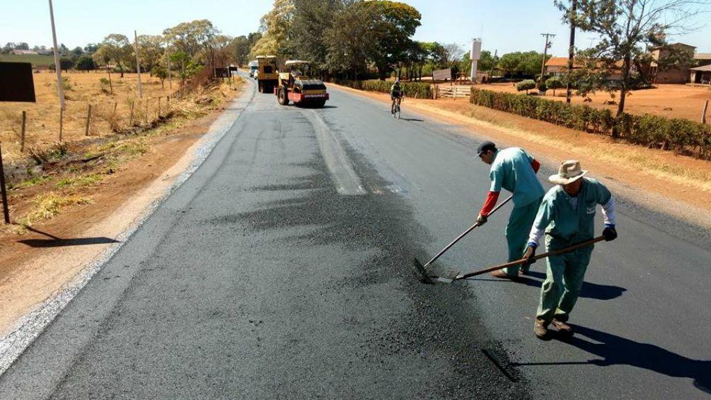 Avenida Marabá recebe melhorias no asfaltamento