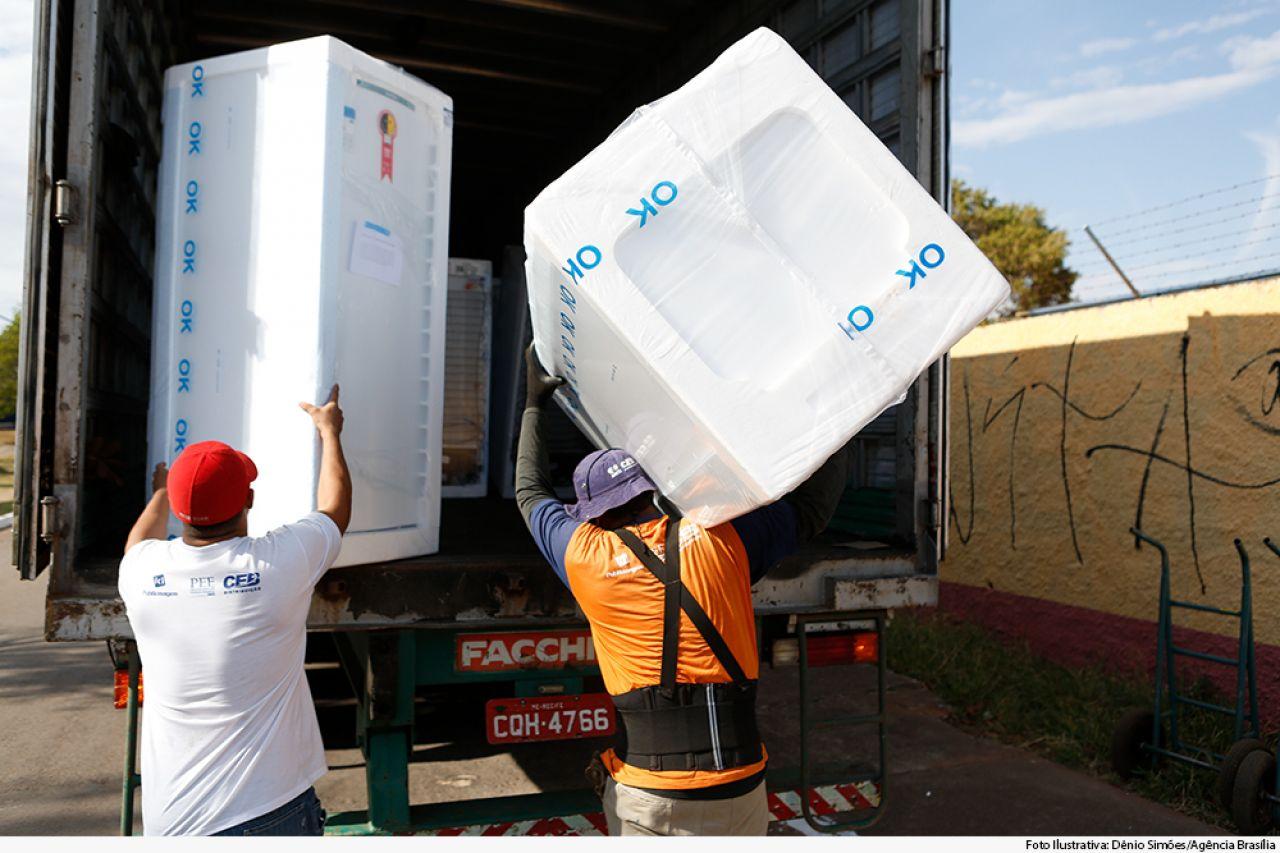 Consumidora que recebeu geladeira sem solicitar deve ser indenizada