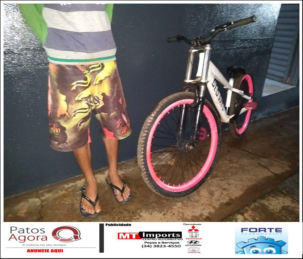 Menor é detido por receptação e PM recupera bicicleta furtada