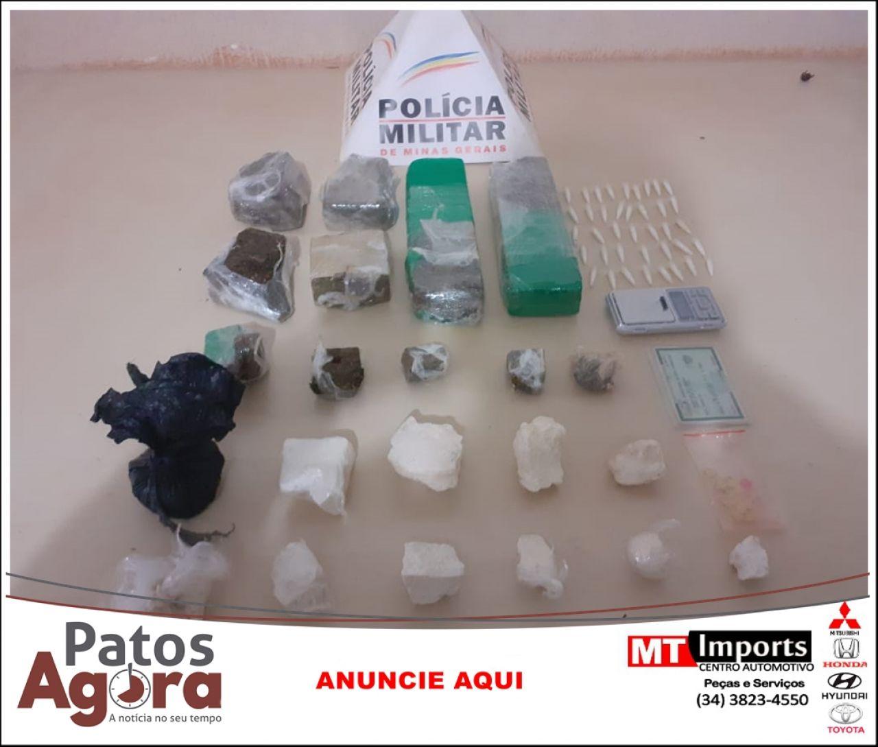 Policia Militar prende homem por tráfico de drogas e apreende grande quantidade de cocaína