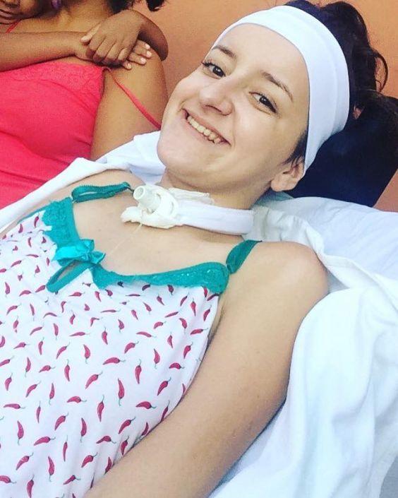 Bárbara Oliveira - Minha primeira cadeira de rodas