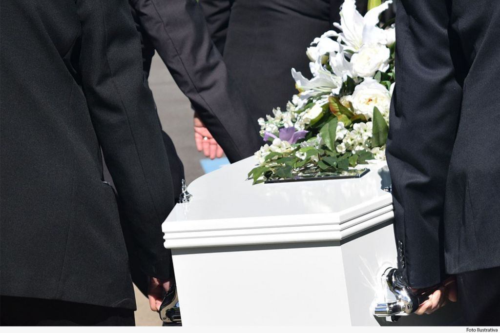 Funerária indeniza família de falecido