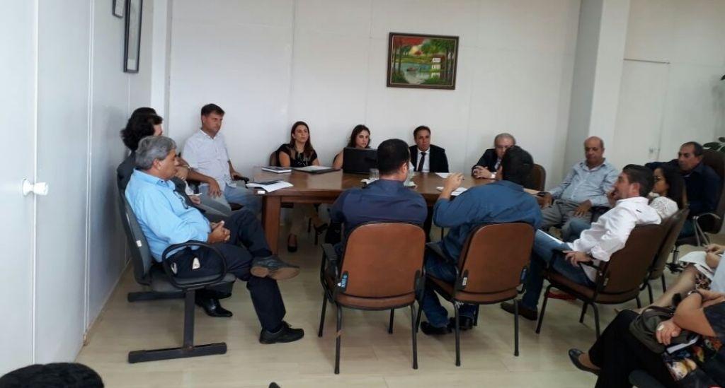 Crise no Hospital Regional: reunião com representantes da FHEMIG não resolve problema e situação se agrava
