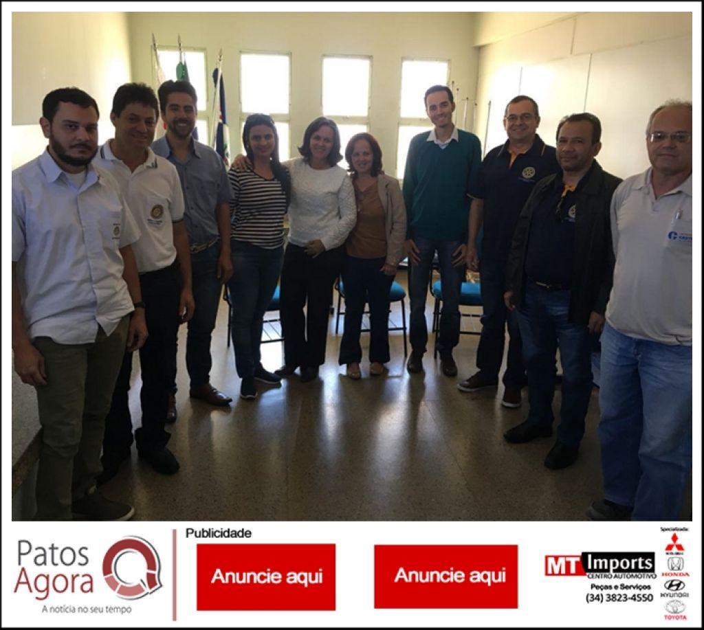 Secretaria Municipal de Saúde firma parceria com Rotary de Patos de Minas em prol do Dia D contra Sarampo e Poliomielite
