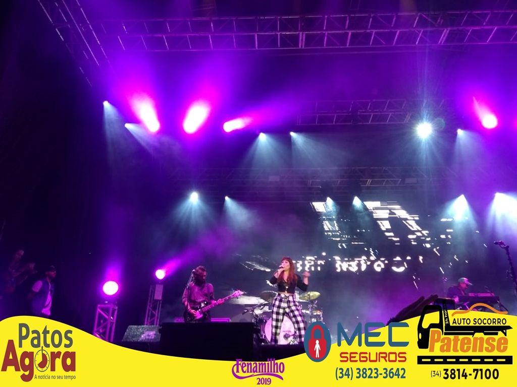 Pitty sobe ao palco da Praça Park para mais um super show na Fenamilho