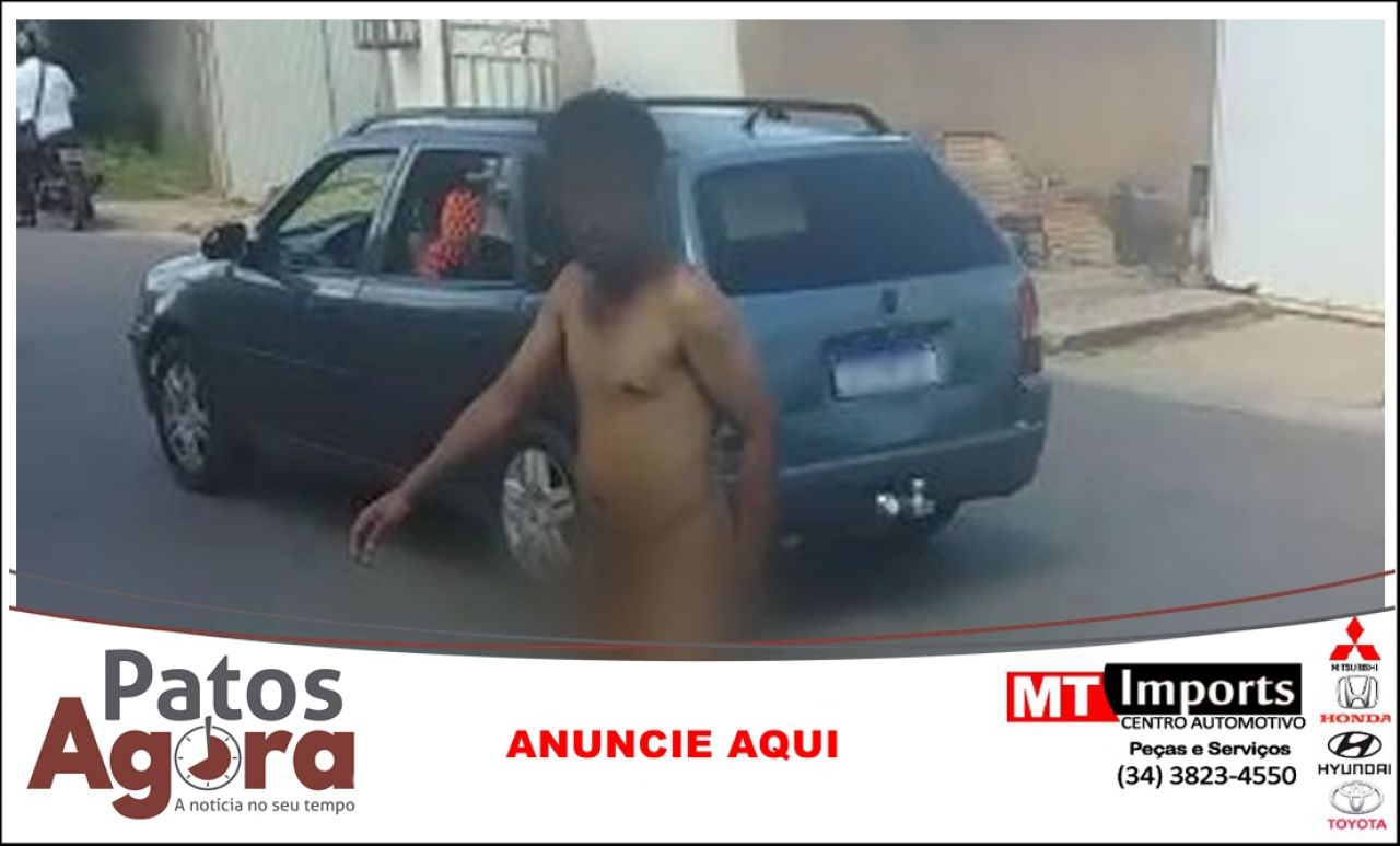 Homem é flagrado andando completamente nu no Bairro Água Limpa, em João Pinheiro