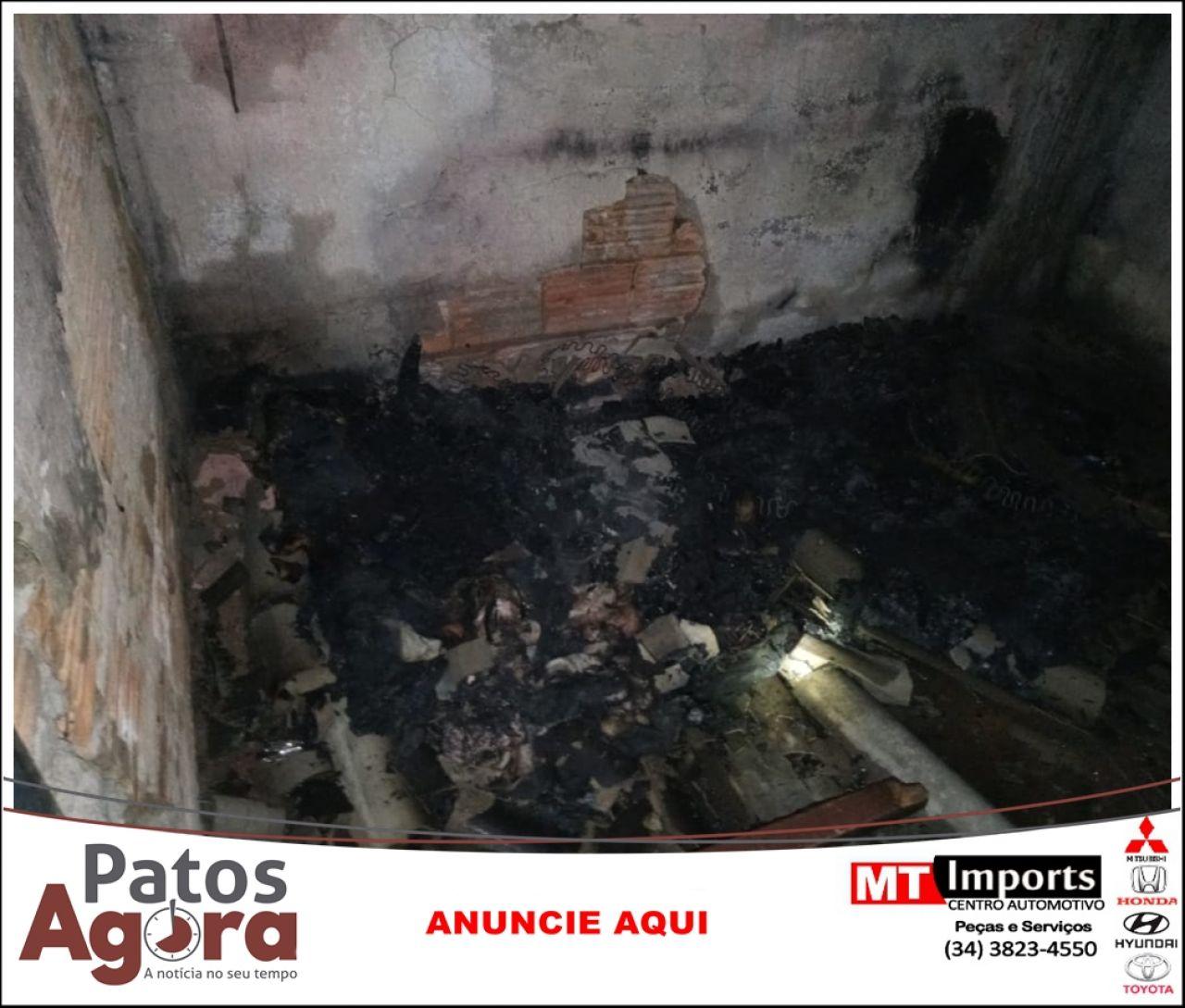 Incêndio em residência é registrado no Bairro Sebastião Amorim
