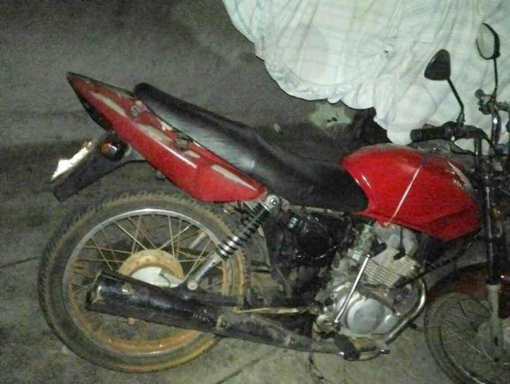 PM localiza motocicleta furtada e mulher é conduzida suspeita de furto