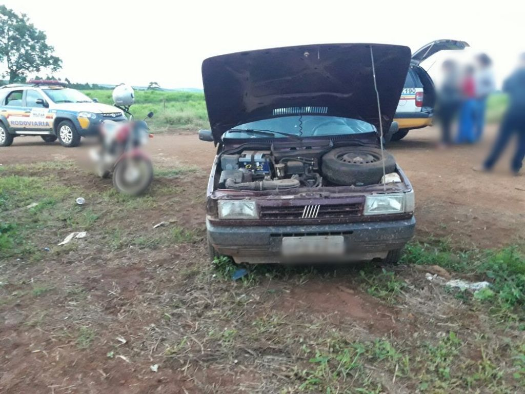 PM recupera carro furtado na zona rural de Patos de Minas