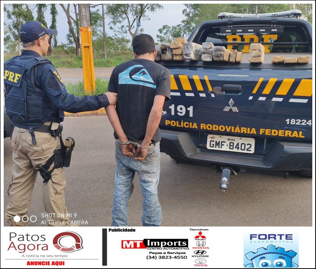 Após perseguição na BR-365, PRF apreende 28 kg de maconha e prende suspeito de tráfico