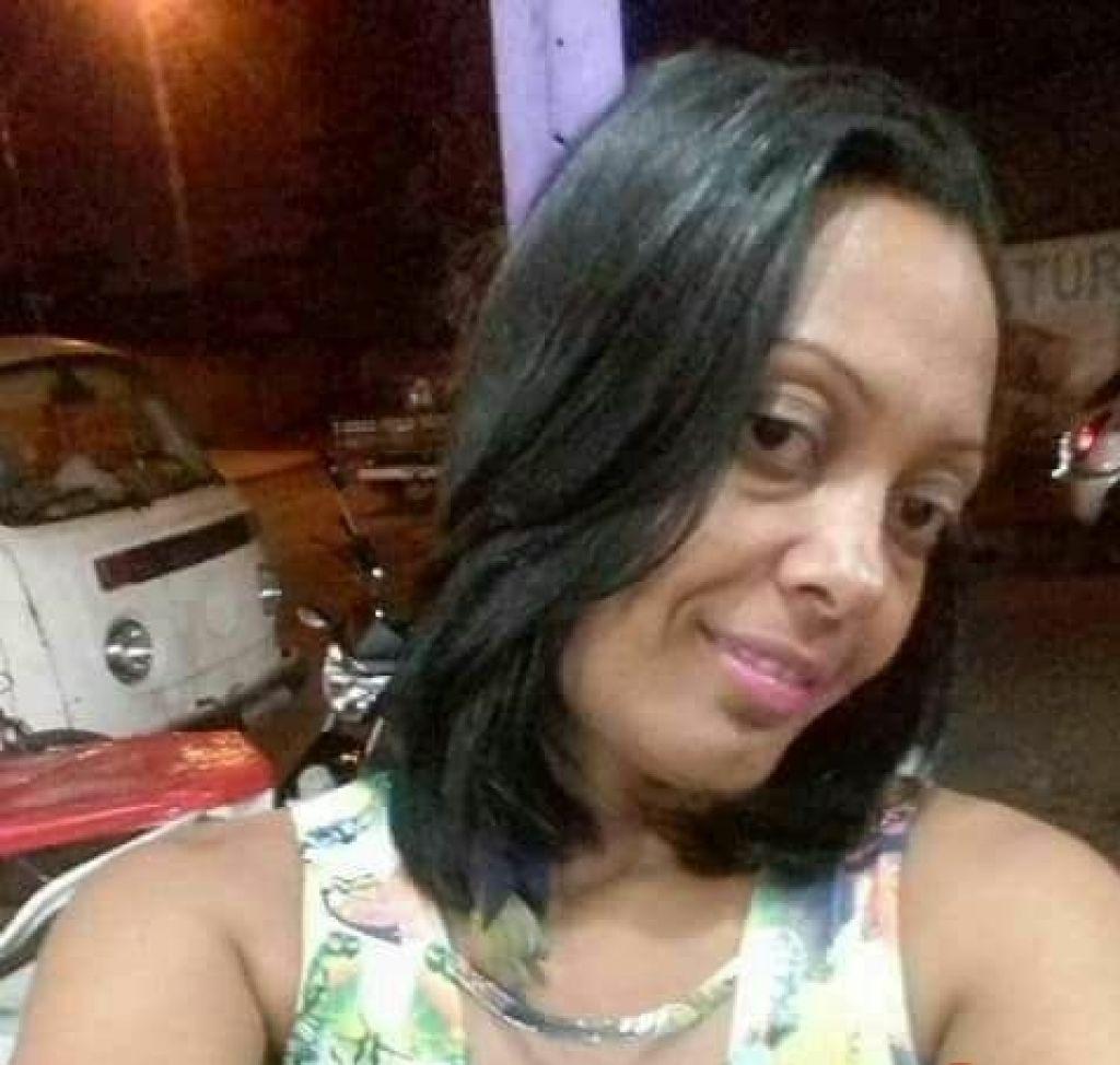 Homem mata esposa a facadas em Lagoa Grande